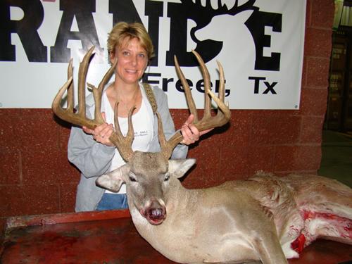 Freer TX Muy Grande Buck